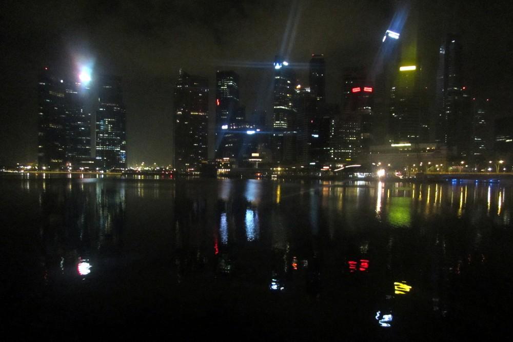 Singapore at night - Hitchhiking in Malaysia: Kuala Lumpur - Singapore - Kuala Lumpur