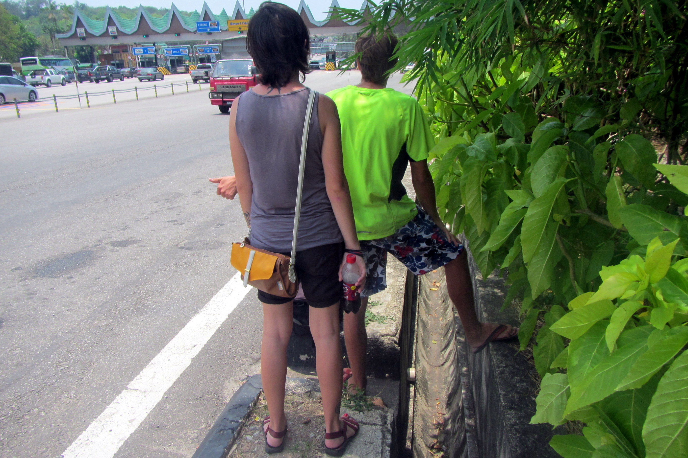 Una and Viesturs hitchhiking - Hitchhiking in Malaysia