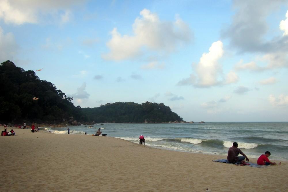 Beach in Kuantan - Hitchhiking in Malaysia: Kuala Lumpur – Singapore – Kuala Lumpur