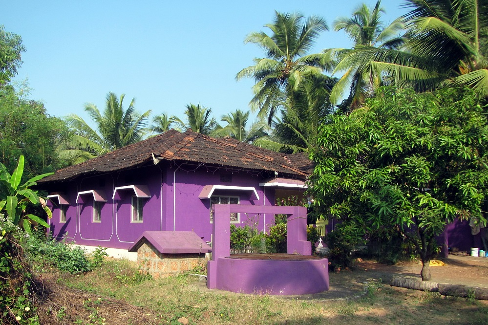colorful houses in Goa India (1)