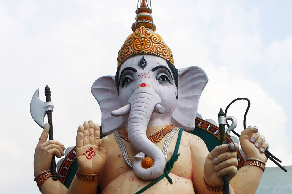 Ganesh Ji Statue, Saharanpur - Moving to India. Story of Agate