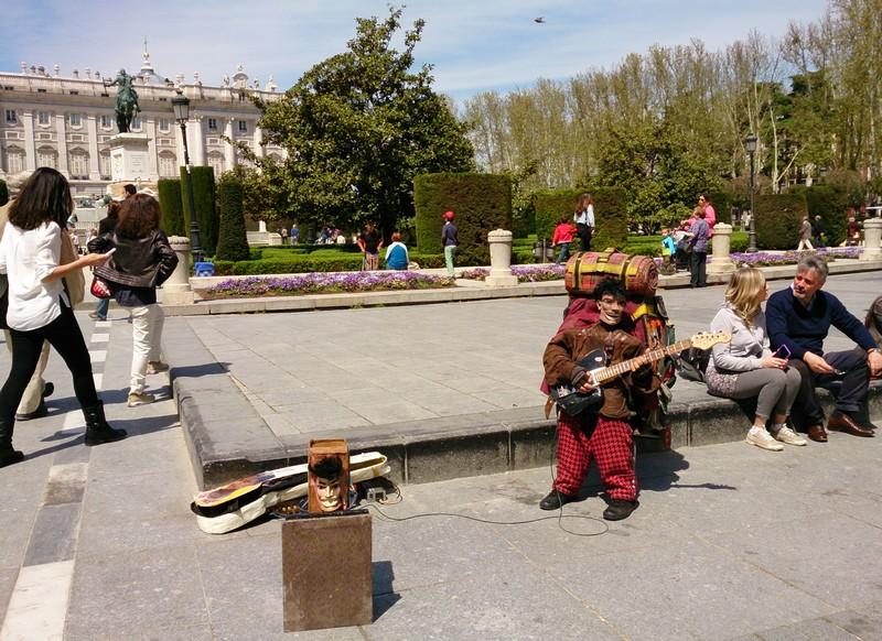 street musician Madrid - Walking Camino de Santiago
