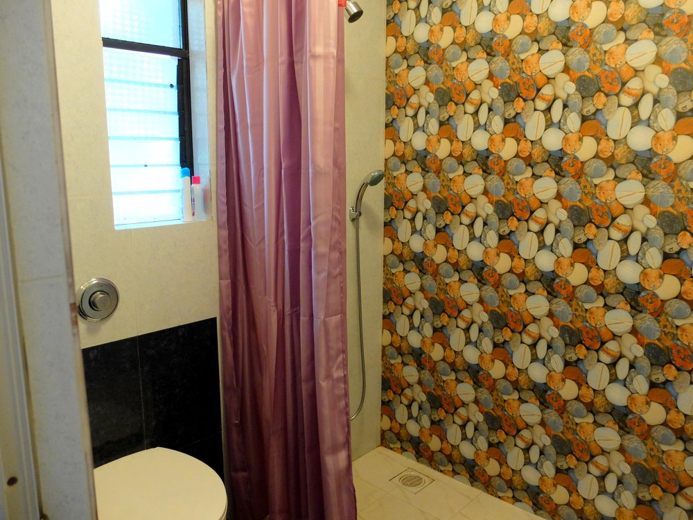 Bathroom - Lazy Frog Goa