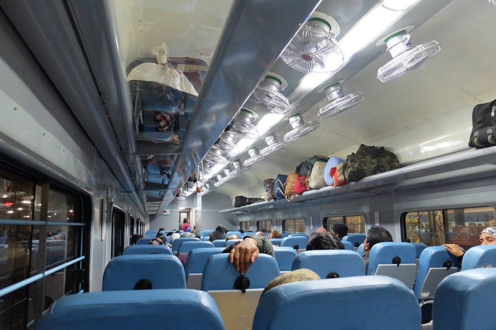 NON AC seat class - Traveling by train in India - Trains in India