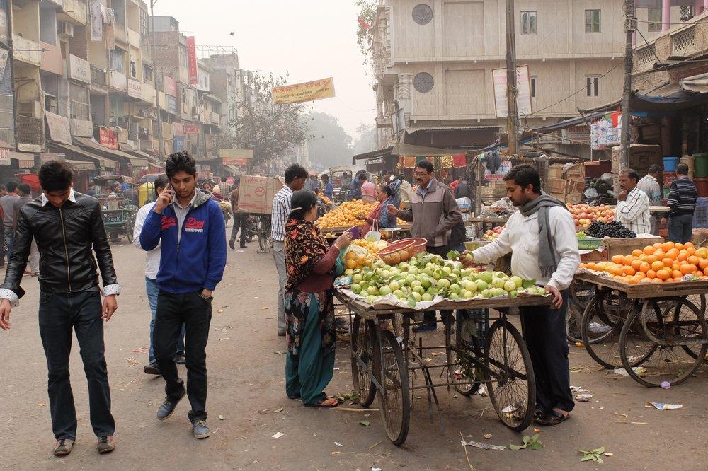 fruit vendors in Delhi India