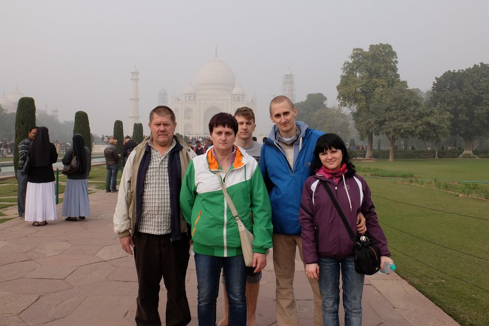 traveling with parents to India - Taj Mahal
