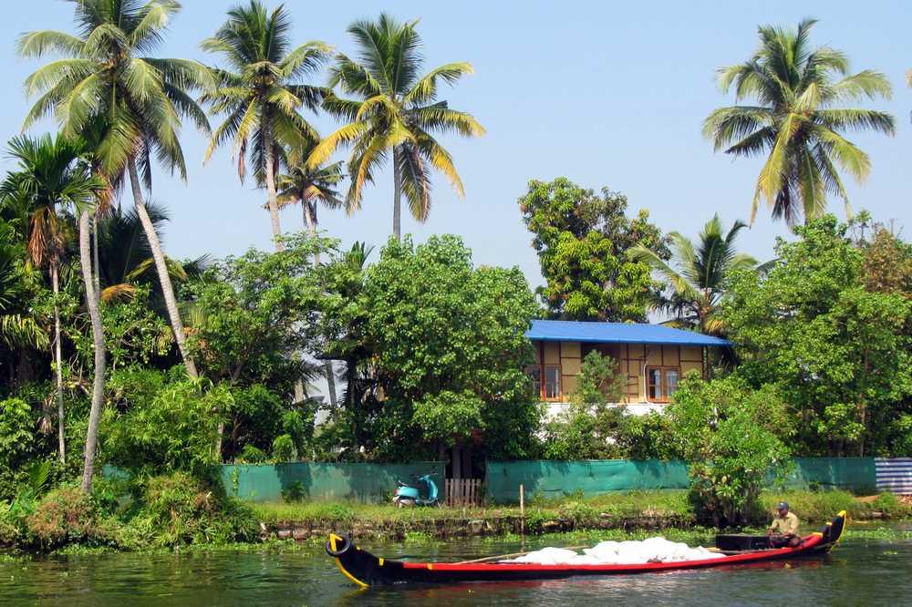 3 Kerala backwaters tour