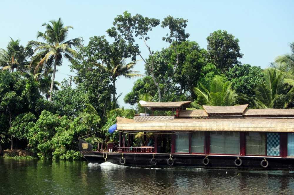 8 Kerala backwaters tour