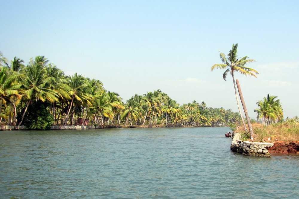 9 Kerala backwaters tour
