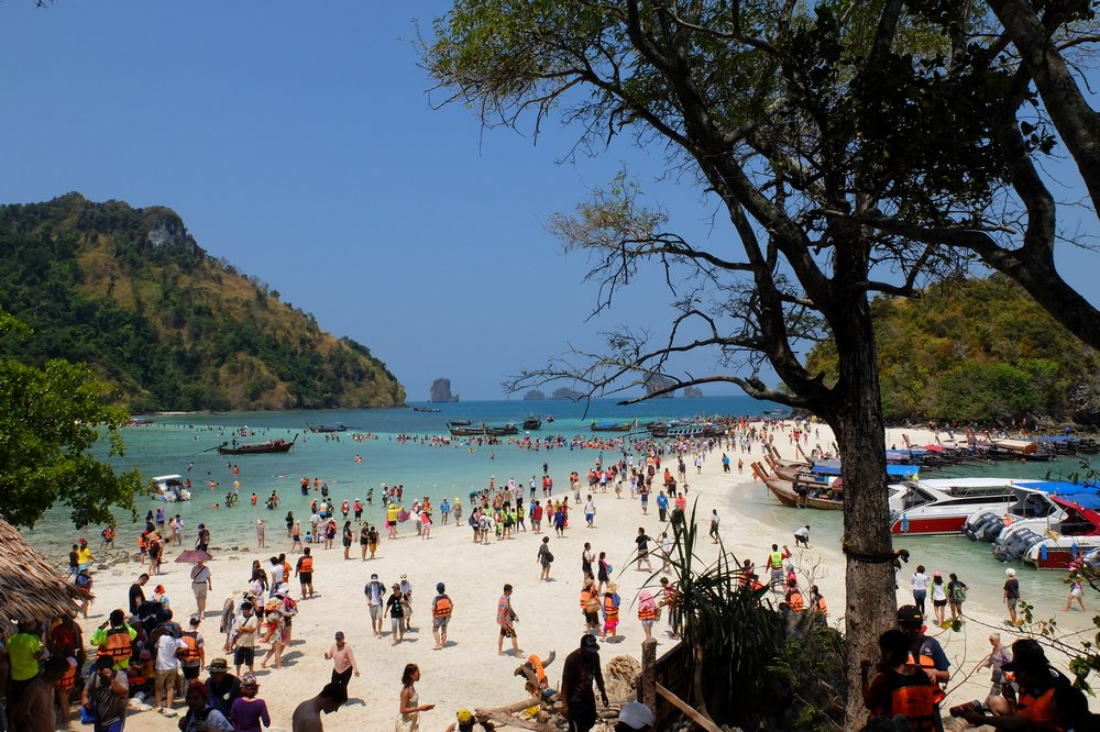 people on the beach - 4 islands tour in Krabi Thailand