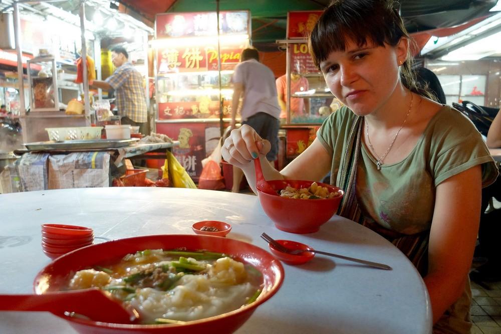 Una eating chinese food in China Town, Kuala Lumpur