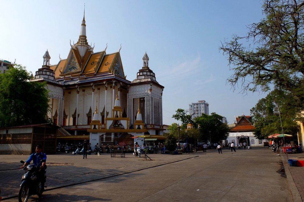 Phnom Penh - Traveling to Cambodia