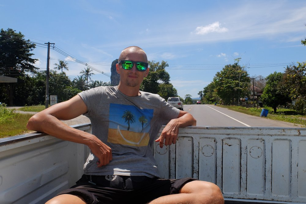 Kaspars hitchhiking in Thailand