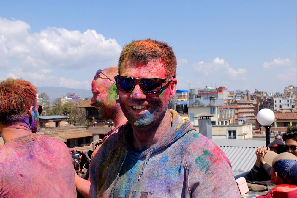 People in the rooftop restaurant - Kathmandu - Holi in Nepal