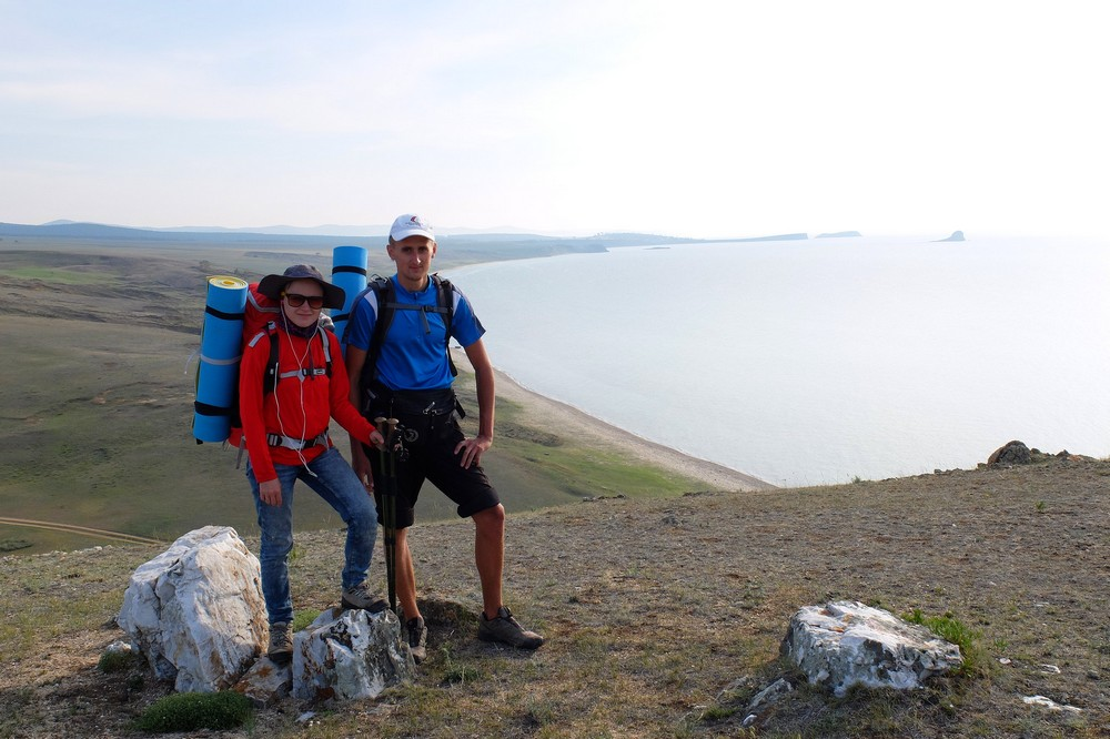 Una and Kaspars hiking on Olkhon island