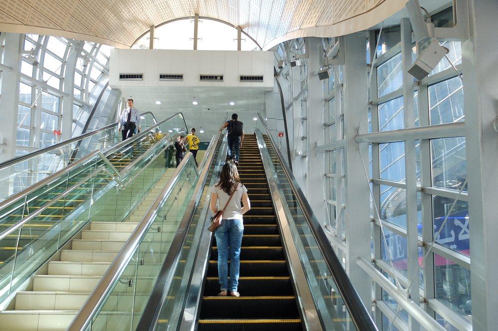 Dubai metro - Stopover in Dubai