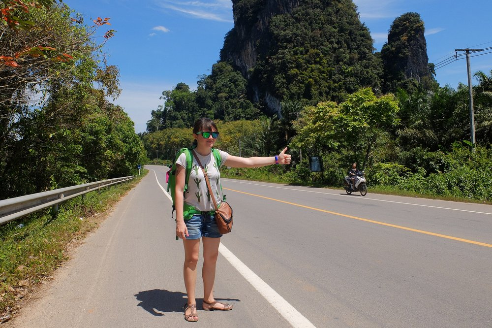 Una hitchhiking in Thailand