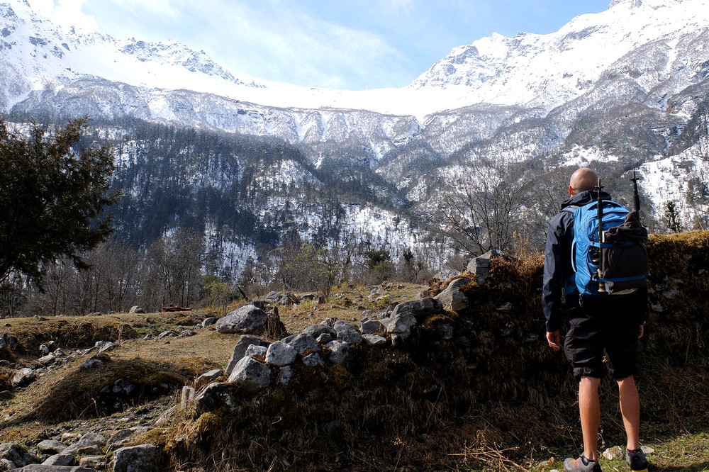 Kaspars with his Osprey Farpoint 40 backpack in Nepal - Osprey Farpoint 40 Review