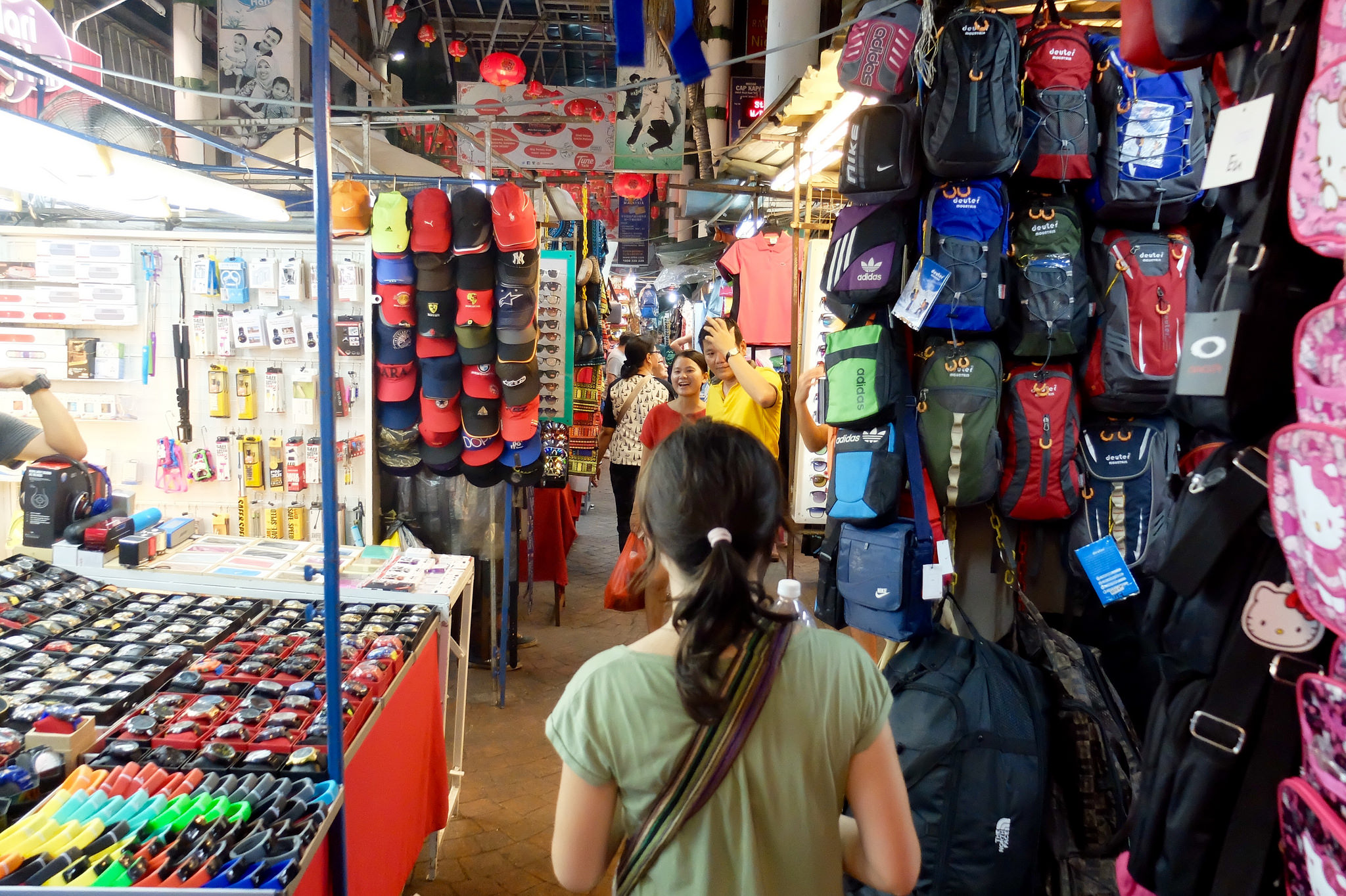 Best places to visit in Kuala Lumpur, Shopping in Chinatown