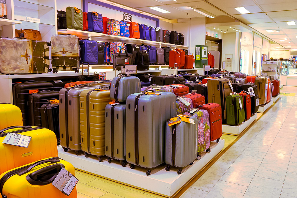 Suitcases in the shop - Best Carry On Luggage - Best Carry on Suitcase