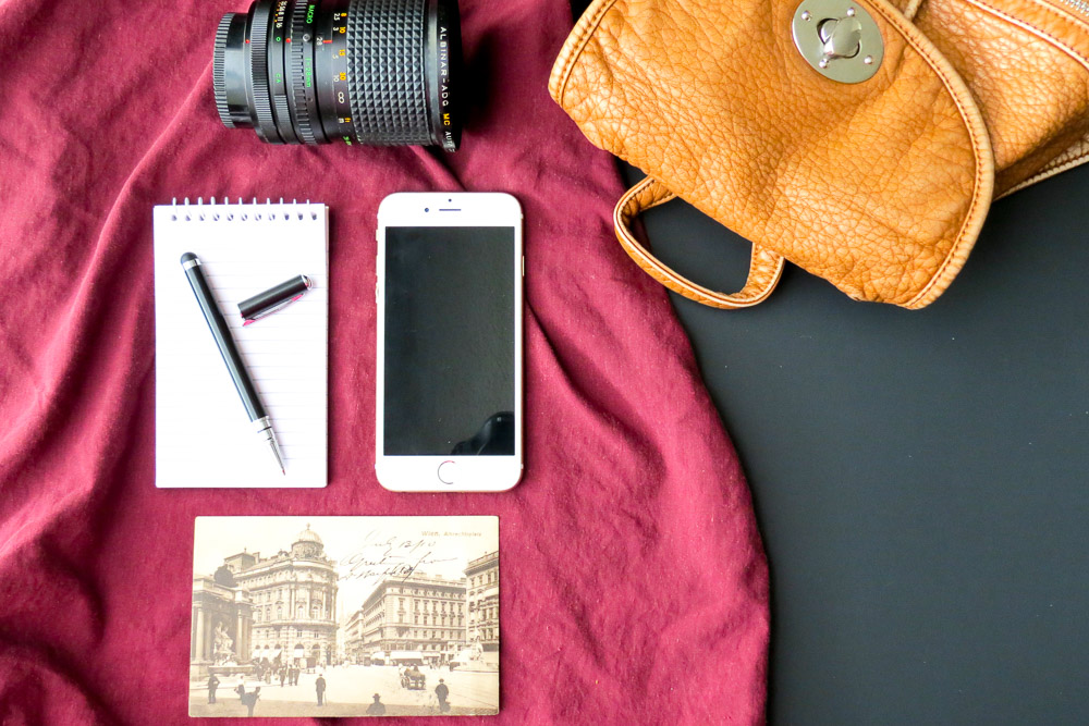 A phone, a backpack and a notebook - Best electronic organizers