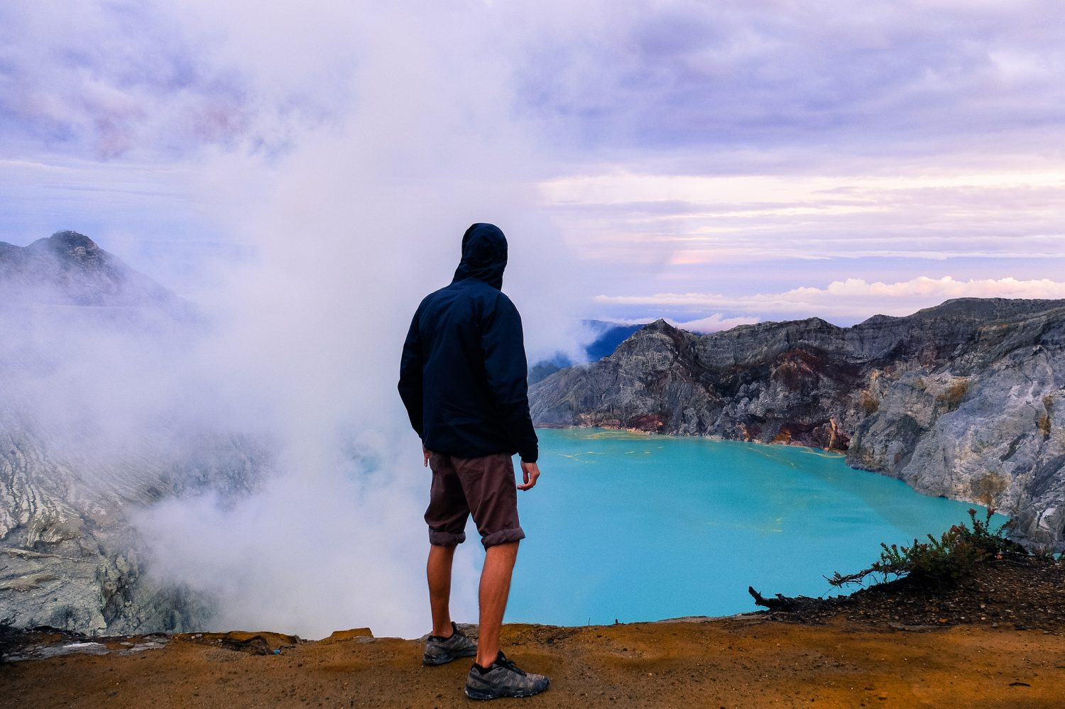 Sunrise at Ijen crater lake - Indonesian visa on arrival