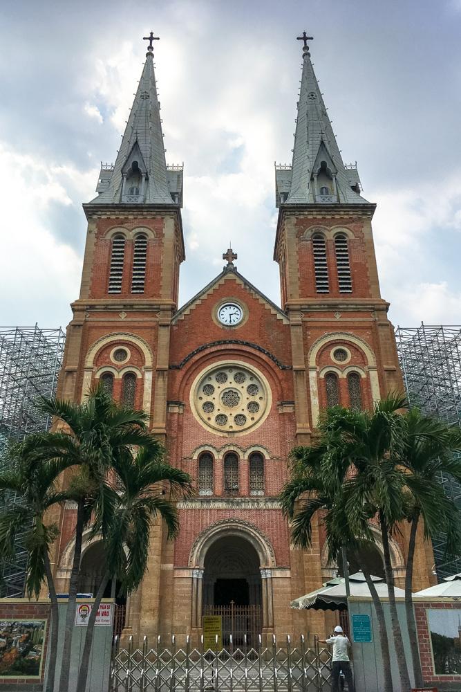 Saigon Notre Dame Bassilica - Vietnam Photo Story