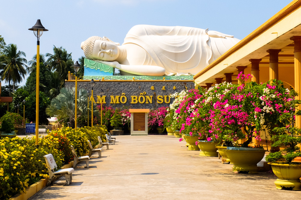 Statue of Buddha in Vietnam - Vietnam Photo Story