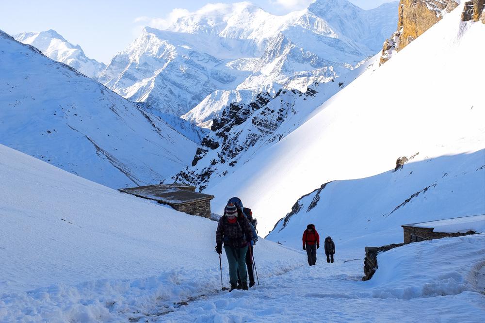 Trekking to High Camp - Annapurna Circuit Photos