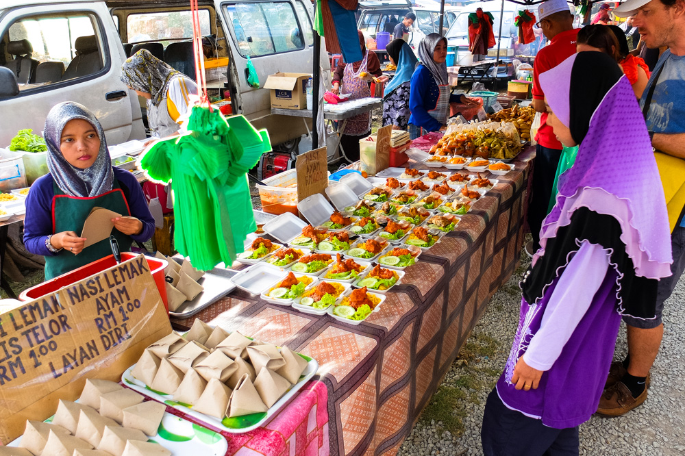 Visiting night market in Langkawi - Best Things to Do in Langkawi