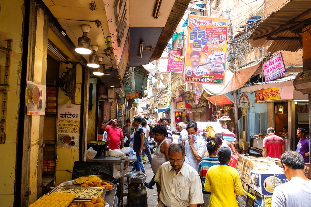 A crowded street in Kolkata - 4 weeks in India