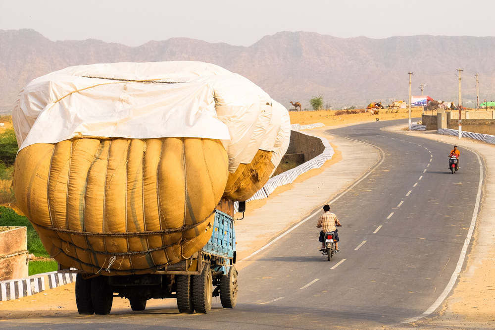 A huge truck in Pushkar - 4 Weeks in India