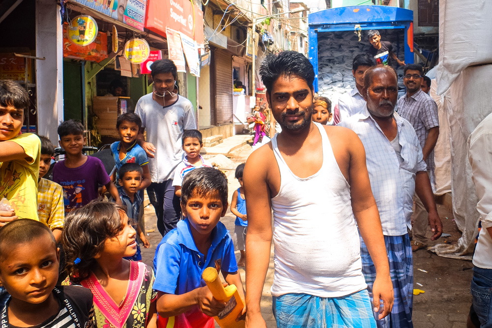 A man and kids in Dharavi, Mumbai - 4 Weeks in India