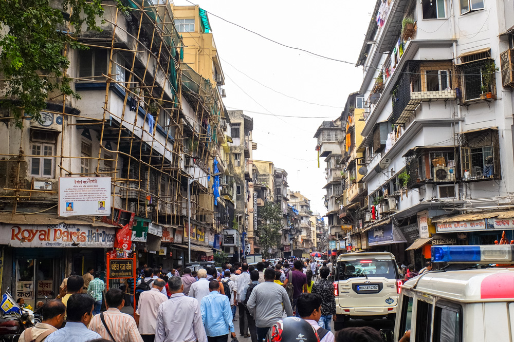 Busu street of Mumbai - 4 Weeks in India