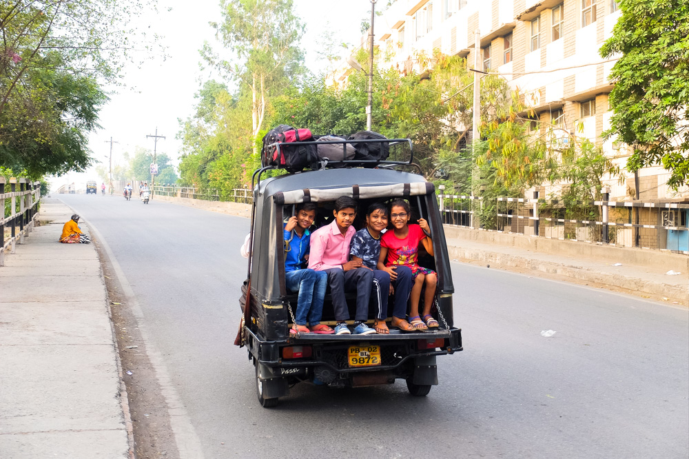 Children in a tuk tuk, Amritsar - 4 weeks in India