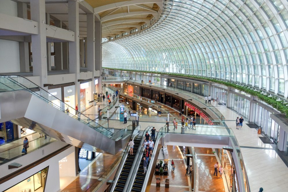 Shoppes by the Bay shopping mall in Singapore - Taxes for Expats
