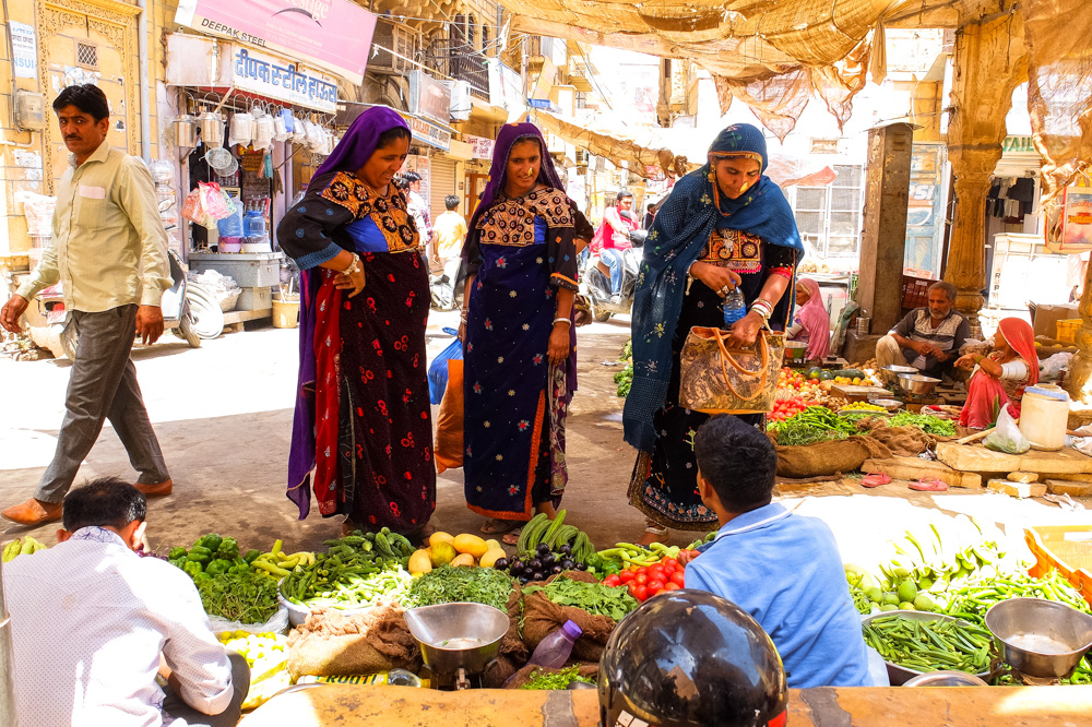 Women in market, Jaisalmer - 4 Weeks in India