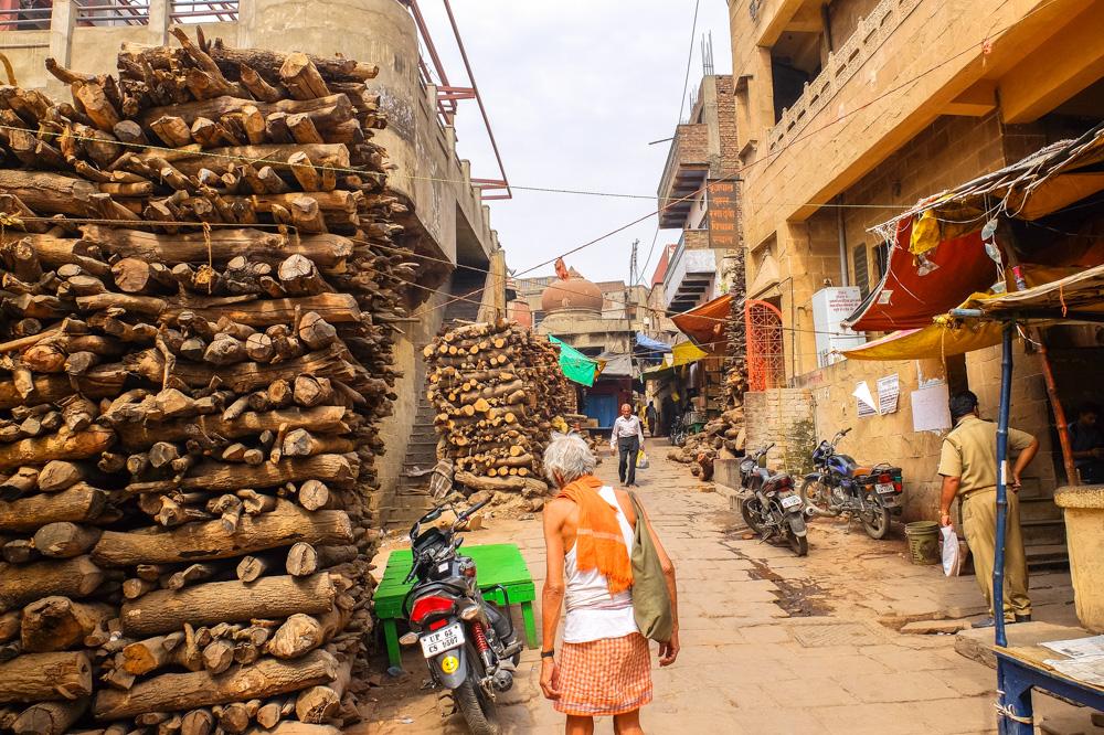 Wood shops in Varanasi - 4 weeks in India