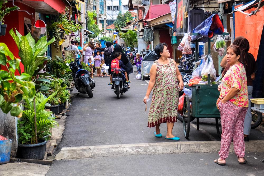 A narrow street near Istiqlal Mosque - Jakarta, Indonesia