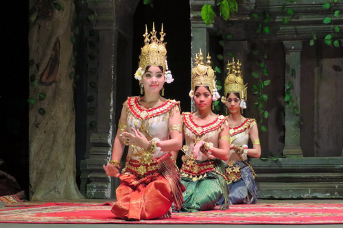 Cambodian girls dancing