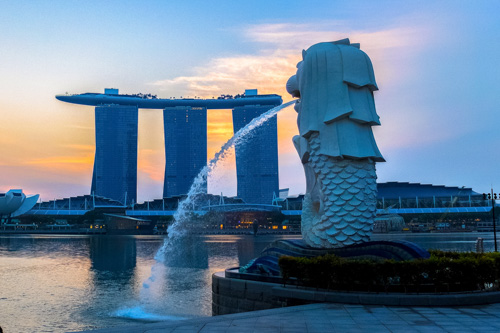 Merlion and Marina Bay Sands in Singapore