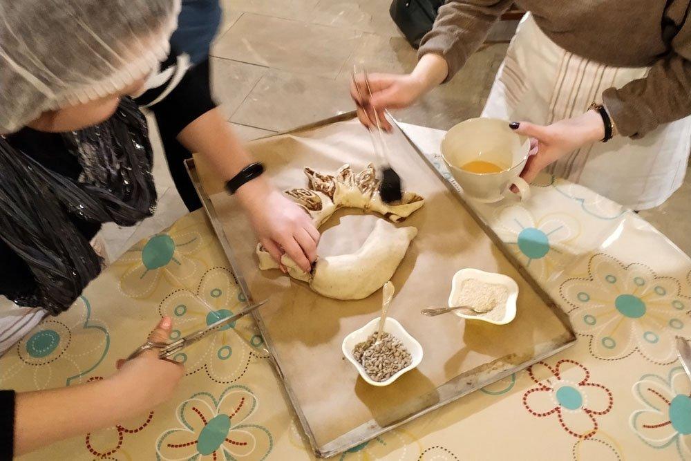 Baking class in Paliesius Manor